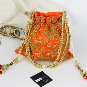Handbags - 💥NEW💥 Mandarin and Gold Embroidered Clutch Bag